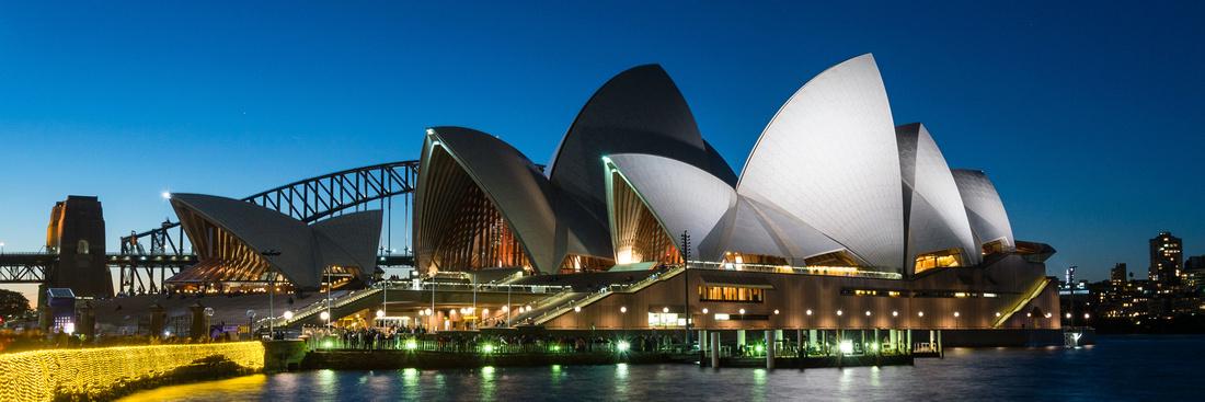 Sydney commercial photographer photographs Sydney Opera House